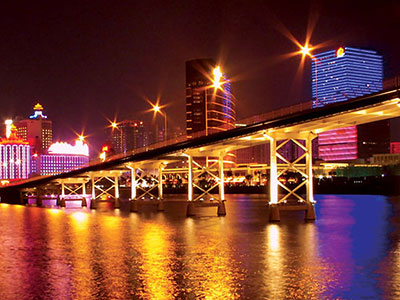 Image of bridge in Macau urban center